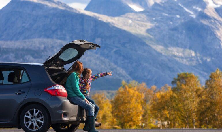 Куда отправиться в путешествие на машине на выходные или короткий отпуск?