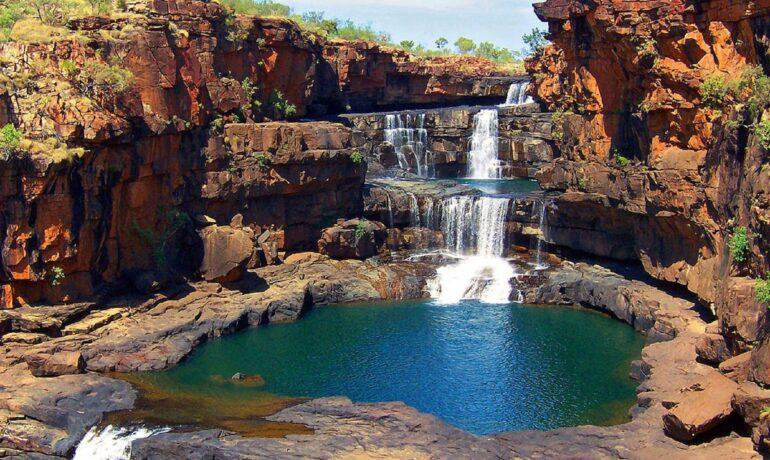 Митчел — многоуровневый водопад в Австралии