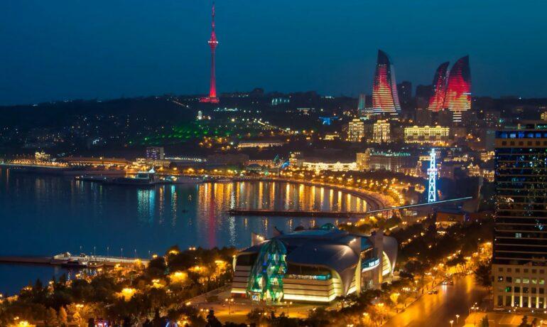 Баку зажигает! Прогулка по ночному городу
