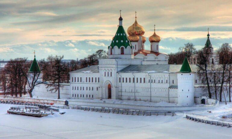 Новогодние туры 2021 по Золотому кольцу России