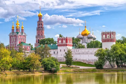 Монастыри в Москве, в которых нужно побывать каждому