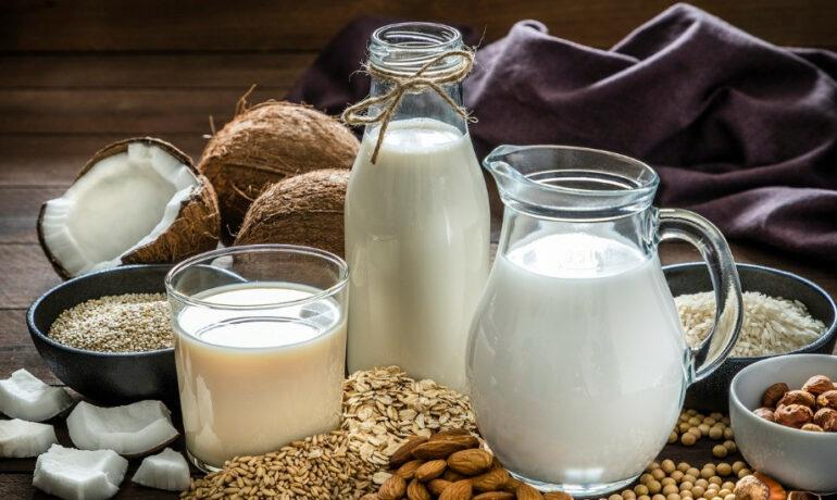 Являются ли напитки на растительной основе хорошей заменой коровьему молоку
