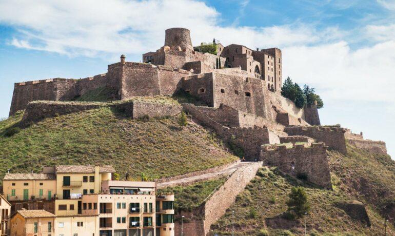 Кардона - древний замок христианской Испании