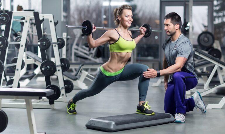 Персональные тренировки: стоит ли тренироваться с персональным тренером