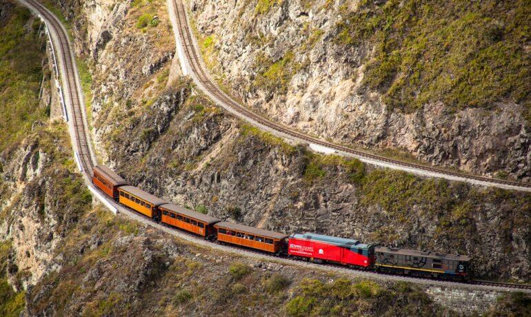 10 самых экстремальных железных дорог мира: такое вы точно не забудете