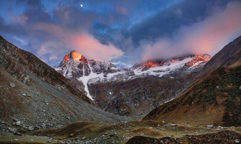 Чем же манят людей Гималаи?