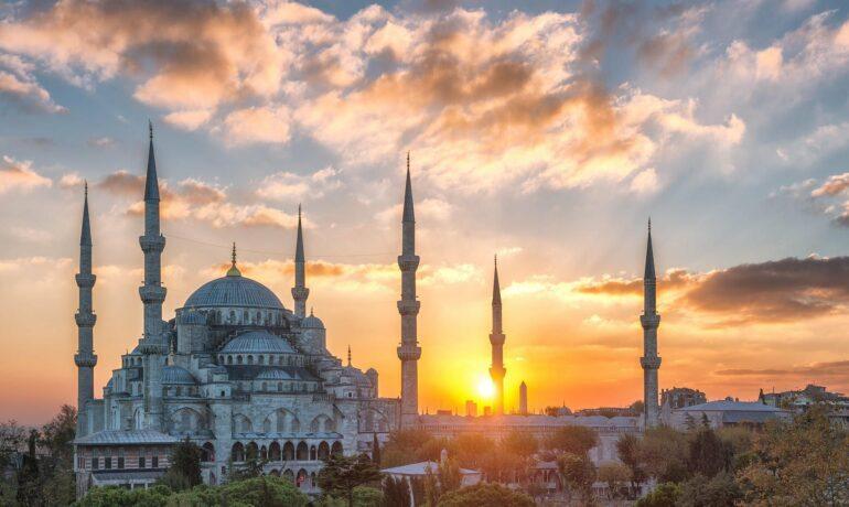 Девять причин слетать в Турцию