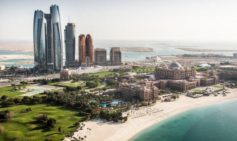 Абу-Даби – роскошный оазис посреди пустыни