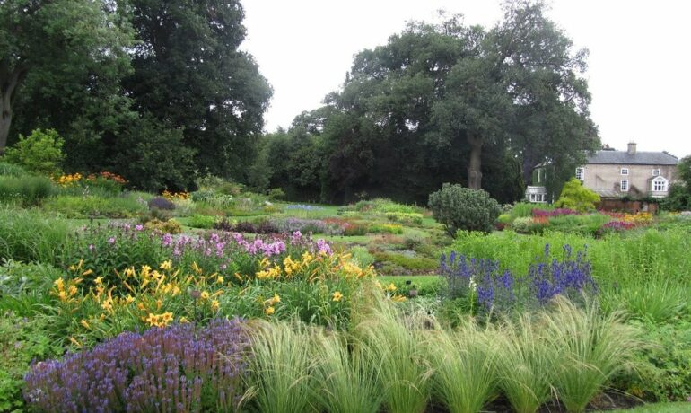 Сад в Брессингеме, Англия