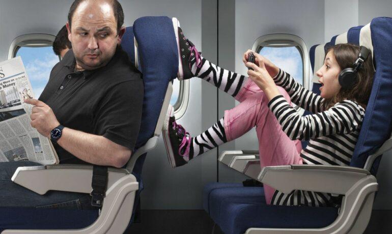 Маленькие путешественники в самолете
