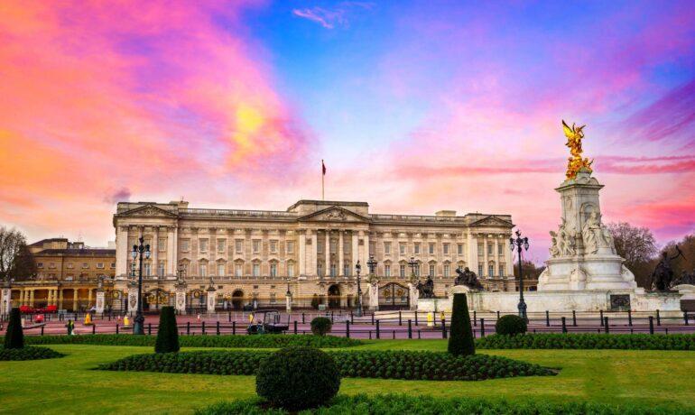 Букингемский дворец. Описание, история и традиции
