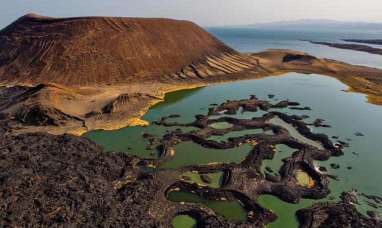 Озеро Туркана в национальных парках Кении