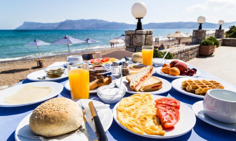 Во сколько обойдется еда на Кипре