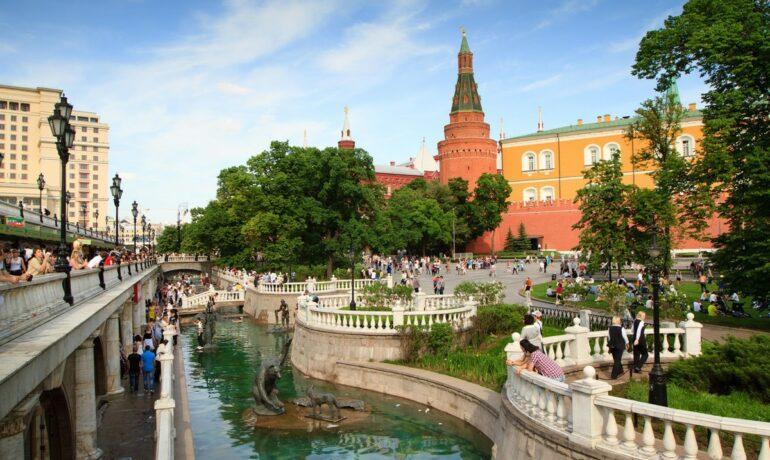 Александровский сад - исторический памятник