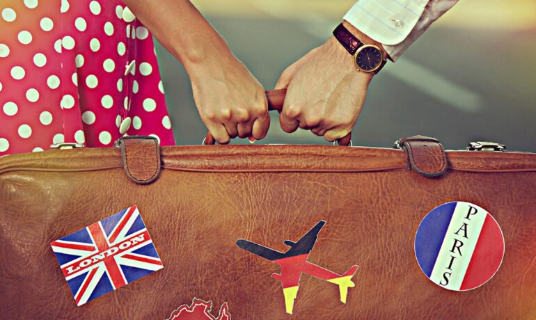 Как организовать поездку за границу