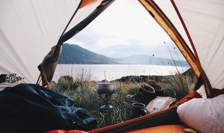 Нюансы палаточного отдыха: какие нужные вещи чаще всего забывают взять туристы?