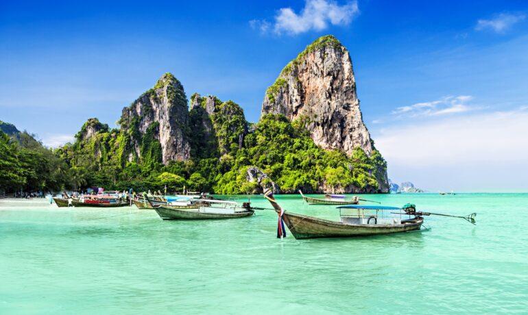 Знаменитые курорты и пляжи где можно увидеть супер актрис и певиц