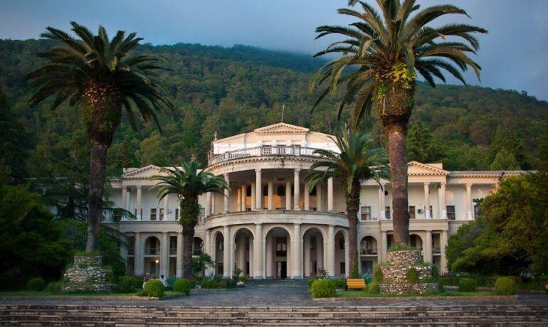 12 уникальных достопримечательностей Гагры, Абхазия