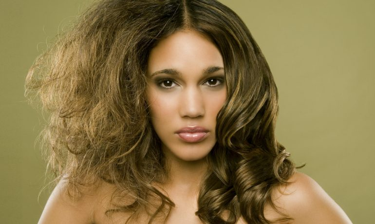 Как ухаживать за волосами с высокой пористостью
