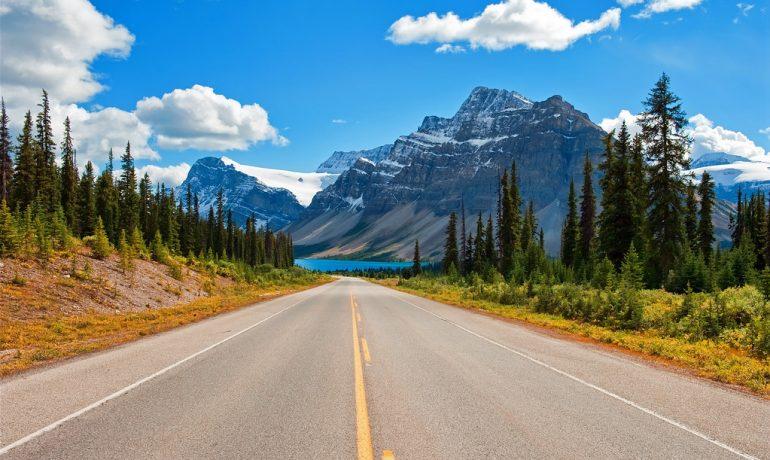 ТОП-7 самых красивых дорог мира: крутые виражи с чудесными панорамами