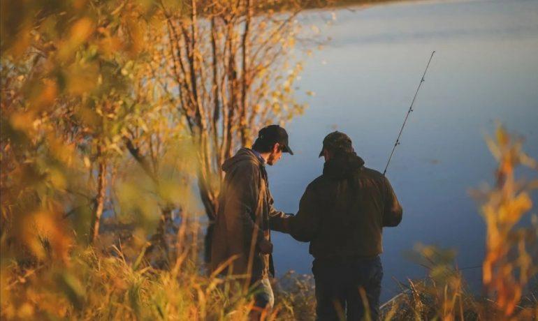 Секреты ловли форели осенью