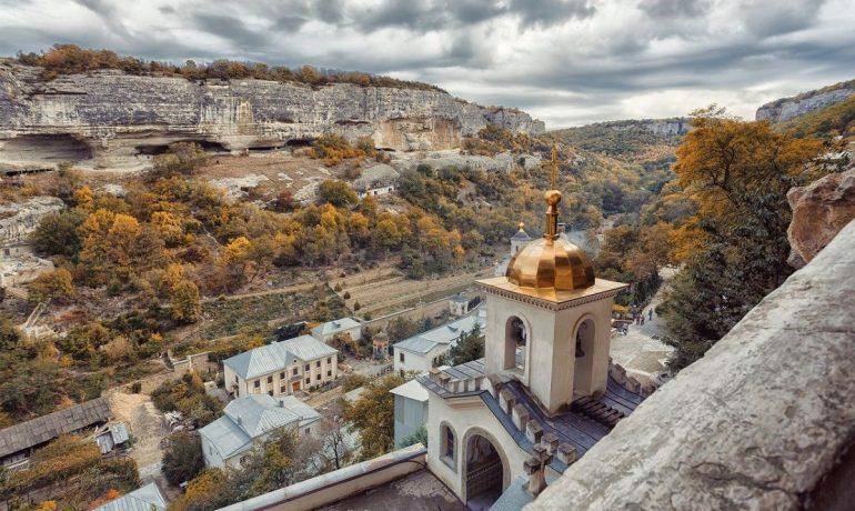 Крымская святыня, которую приютили скалы