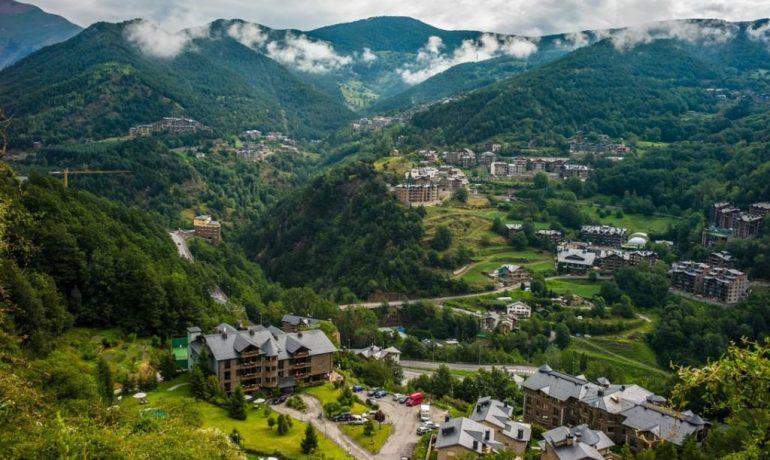 Андорра — небольшая, но интересная европейская страна