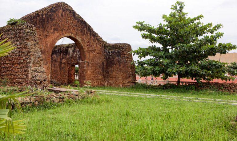 Мбанза Конго, остатки столицы бывшего королевства Конго