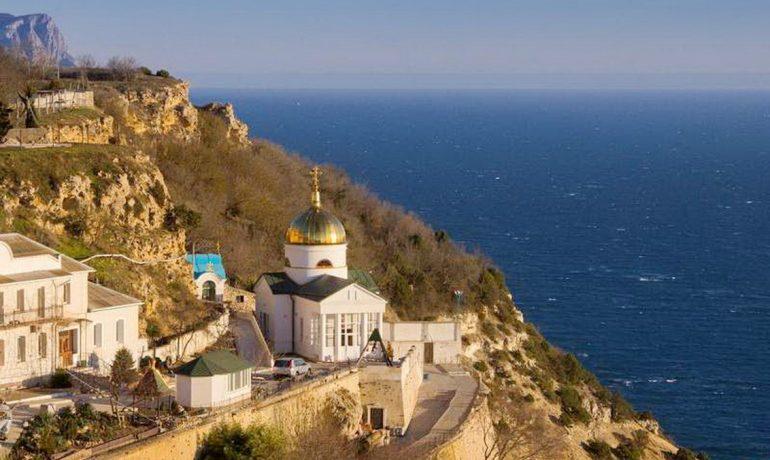 Достопримечательности Крыма: Свято-Георгиевский монастырь в Балаклаве