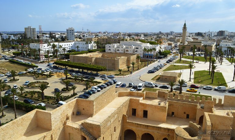 Путешествие по Тунису. Город Монастир