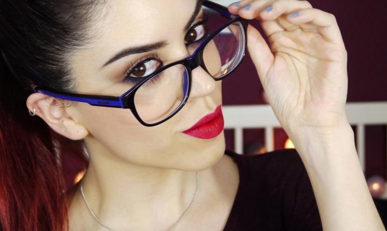 Макияж и очки: секреты и полезные советы