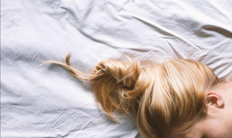 Какая прическа для сна лучше всего подходит для ваших волос