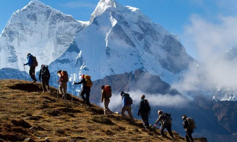 Покорение величественных гор и ущелий: ТОП-7 популярных маршрутов для горных походов по Азии