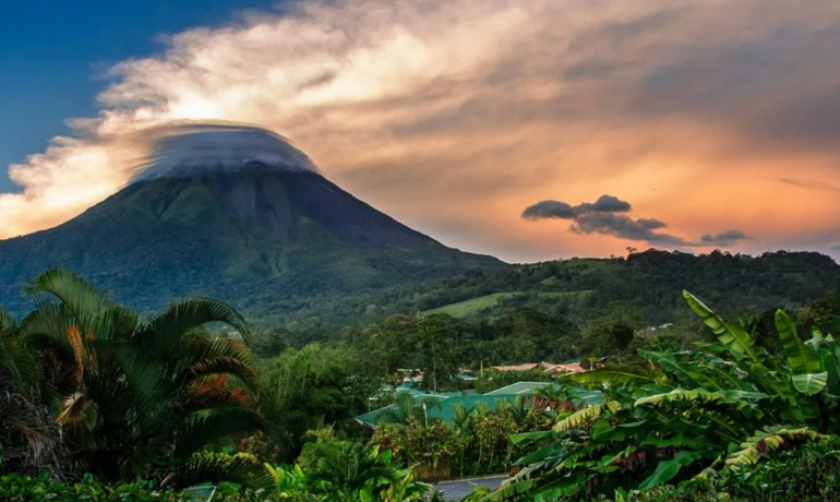 Коста-Рика - страна с добрыми людьми, интересной природой и действующими вулканами