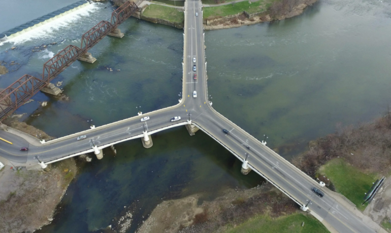 3 уникальных тройных моста