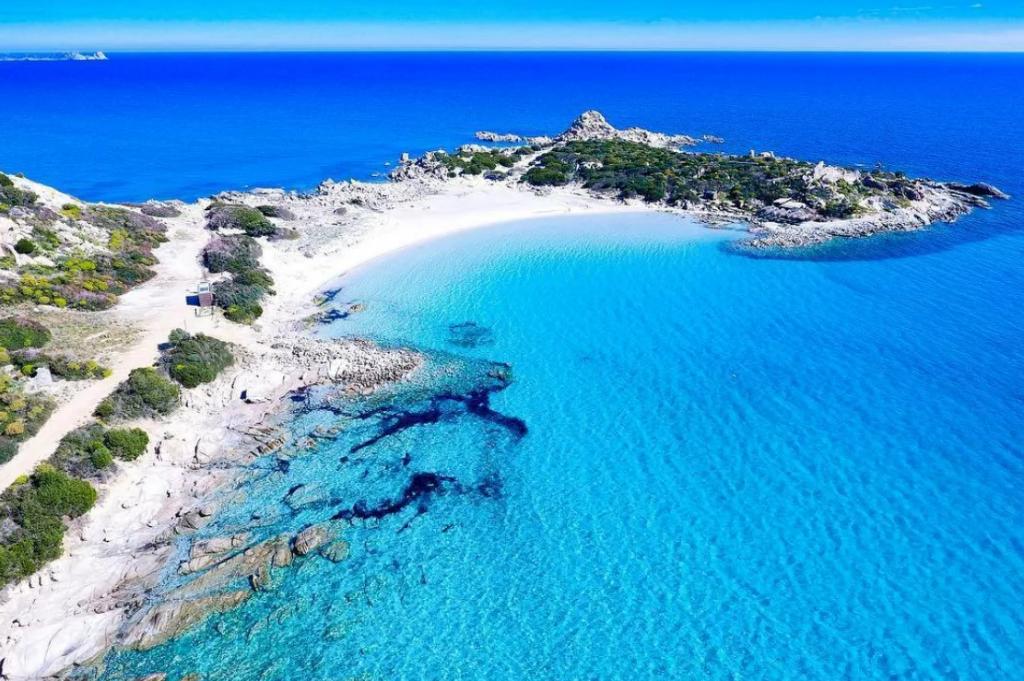 Средиземноморская романтика: ТОП-6 самых красивых пляжей Средиземноморья
