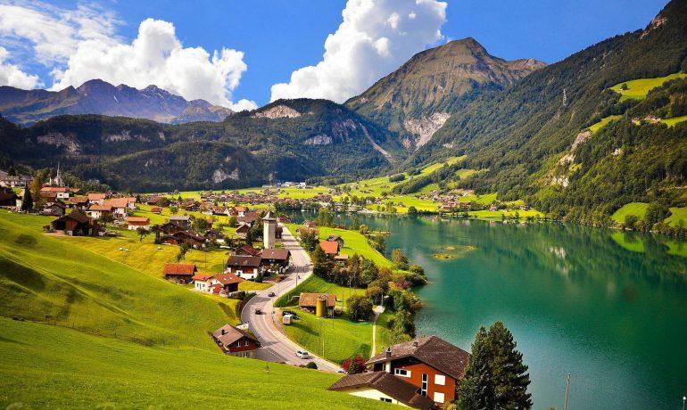 Удивительная жизнь швейцарцев