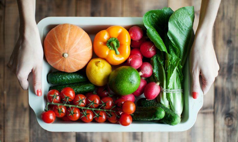 Можно ли получать достаточно витаминов из фруктов и овощей