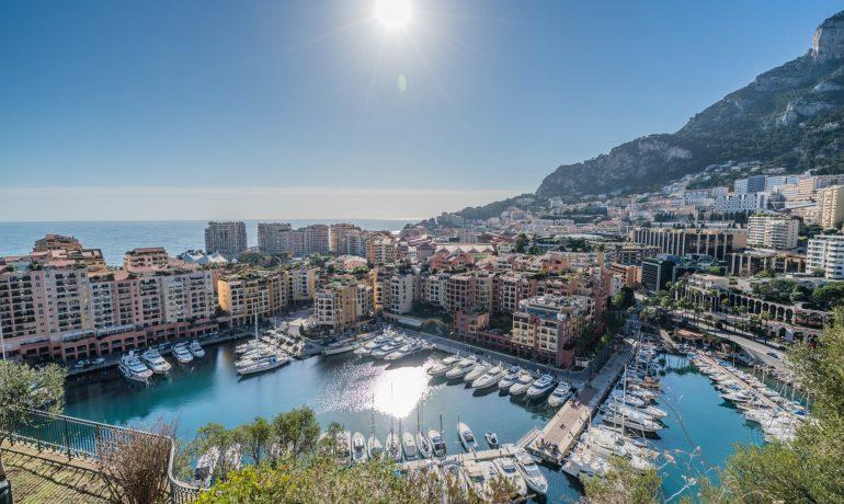 Карликовое государство с большими возможностями - Монако