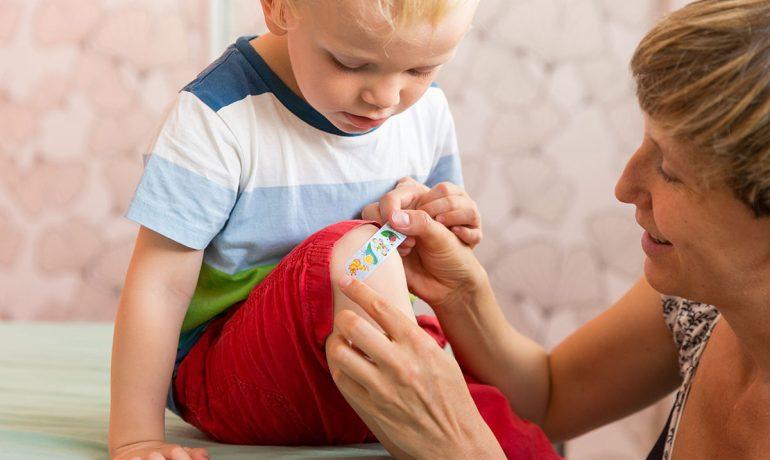 Правильно оказываем первую помощь ребёнку