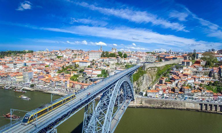 Порту: как добраться до города и какие виды транспорта там распространены