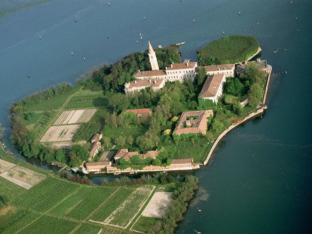 Повелья - Остров Чумы в Венеции (Poveglia Plague Island). Туристические маршруты Италии