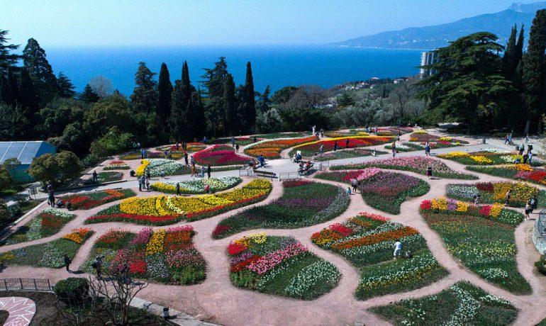 Никитский ботанический сад: фонтаны саду не помеха, Ялта