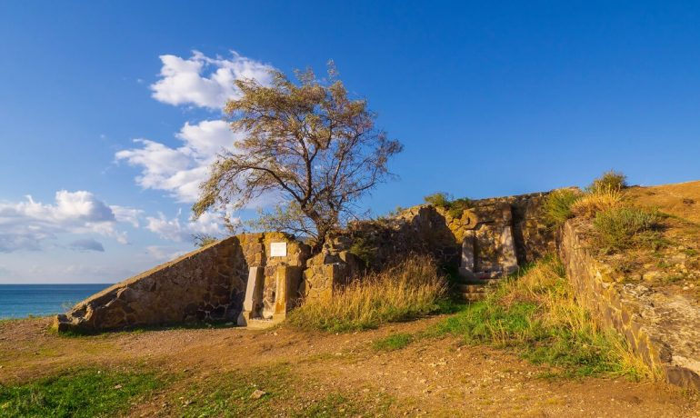 Достопримечательности Крыма: дом Юнге и склеп Юнге