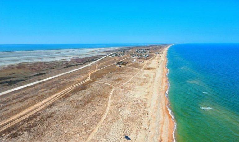 Горячий целебный источник и уникальное солёное озеро на Арабатской стрелке, Крым