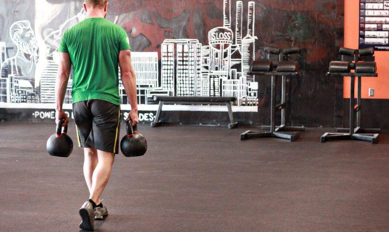 Прогулка фермера: тренируйте всё тело за одно упражнение