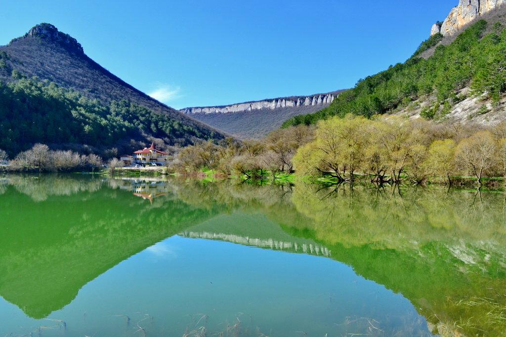 Путешествие в Крым: озеро Мангуп или девичье озеро