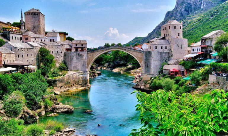 Босния и Герцеговина: страна, в которой есть водопады, боснийские пирамиды и город Неум