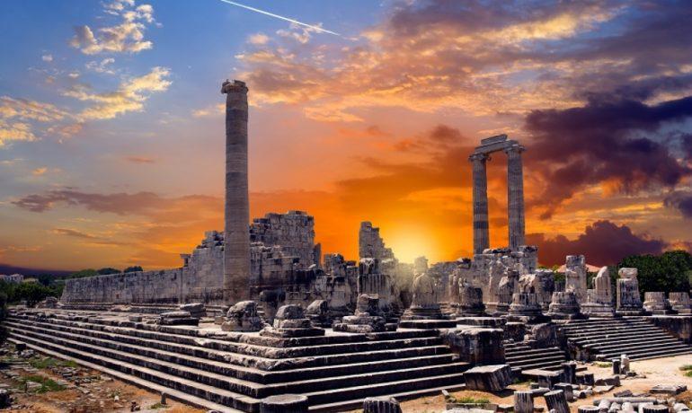10 лучших греческих исторических памятников, которые можно посетить в Турции