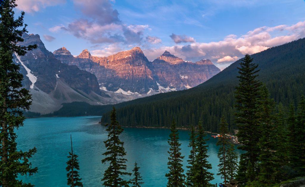 Пеший туризм в Канаде: лучшие маршруты и практические советы